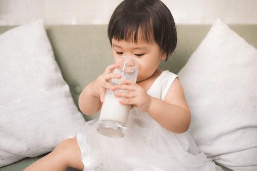 Sữa Yomost dành cho trẻ mấy tuổi