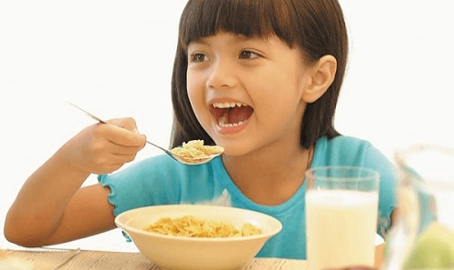 sữa bột abbott grow 4 giúp bé ăn ngon hơn